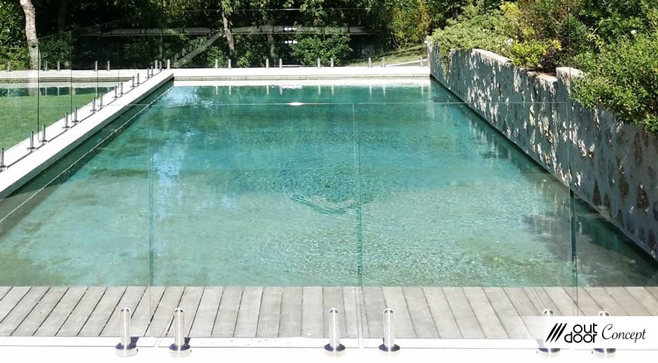 Cl ture de piscine outdoorconcept for Cloture piscine verre